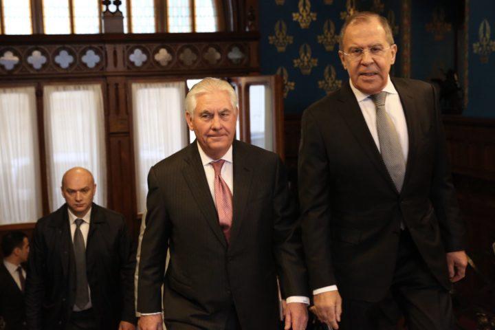 Tillerson en Lavrov (R) in Moskou . Foto; EPA