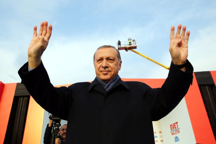 2017-04-08 16:29:37 epa05897565 A handout photo made available by Turkish President Press office shows, Turkish President Recep Tayyip Erdogan cheers his fans during a 'Vote Yes' rally in Istanbul, Turkey, 08 April 2017. A referendum on the constitutional reform in Turkey will be held on 16 April. The reform, passed by Turkish parliament on 21 January, would change the country's parliamentarian system of governance into a presidential one, which the opposition denounced as giving more power to Turkish president Recep Tayyip Erdogan. EPA/TURKISH PRESIDENT PRESS OFFICE HANDOUT HANDOUT EDITORIAL USE ONLY/NO SALES