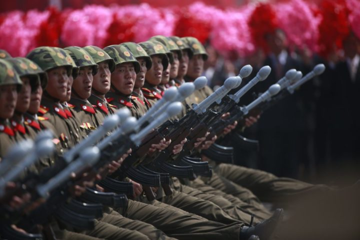 2017-04-15 11:52:28 epa05908616 North Korean soldiers march during a parade for the 'Day of the Sun' festival on Kim Il Sung Square in Pyongyang, North Korea, 15 April 2017. North Koreans celebrate the 'Day of the Sun' festival commemorating the 105th birthday anniversary of former supreme leader Kim Il-sung on 15 April as tension over nuclear issues rise in the region. EPA/HOW HWEE YOUNG