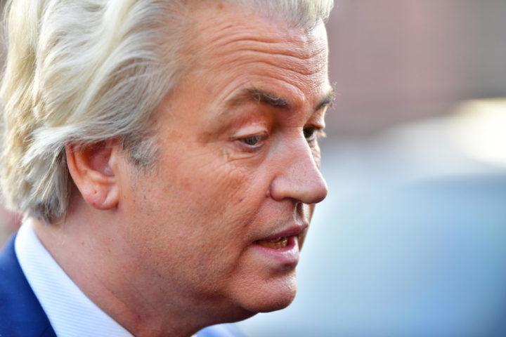 2017-04-13 19:56:05 RUCPHEN - PVV-leider Geert Wilders tijdens een bezoek aan de gemeente Rucphen als dank voor hun steun. Bij de laatste Tweede Kamerverkiezingen haalde de PVV hier 38,9% van de stemmen. ANP ROBIN UTRECHT