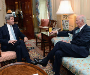 800px-secretary_kerry_meets_with_former_secretary_baker