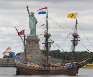 2009-09-13 19:49:00 A replica of the Dutch ship Half Moon sails past the Statue of Liberty on September 13, 2009 in New York Harbor. The historic boat is in New York Harbor to commemorate English navigator Henry Hudson's sail into New York harbor in 1609 aboard the Half Moon. AFP PHOTO/DON EMMERT