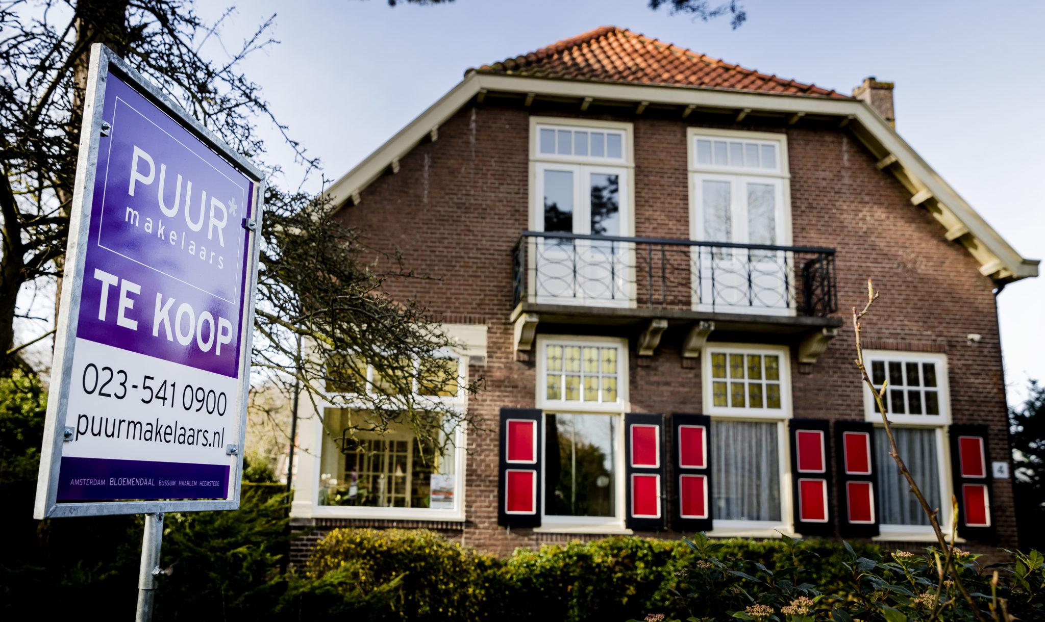 In nederland staan nog huizen 39 onder water for Huizen zoeken die niet op funda staan