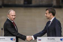 Macron en Poetin bespreken 'netelige zaken'