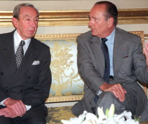 "1996-09-05 00:00:00 French President Jacques Chirac (R) and US Secretary of State Warren Christopher talk 05 September at the Elysee Palace in Paris. After their four-hour meeting it was announced that France will continue its participation in allied air operations to patrol the ""no-fly"" zones over Iraq. AFP PHOTO"