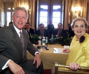 2000-05-31 13:15:00 LIS01-20000531-QUELUZ, PORTUGAL: US President Bill Clinton (L) and US Secretary of State Madeleine Albright (R) look to photographers at the start of the European Union and United States meeting at Queluz Palace on Wednesday 31 May 2000. EPA PHOTO LUSA/INACIO ROSA