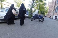 Gemeenten, houd eens die salafisten in de gaten!