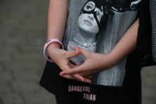 Aanslag op concert Ariana Grande in Manchester eist 22 levens