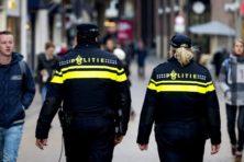 Hoofddoek onder politiepet: principes of pragmatisme?