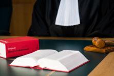 Schandaal: politievrijwilliger ingepalmd door advocaten