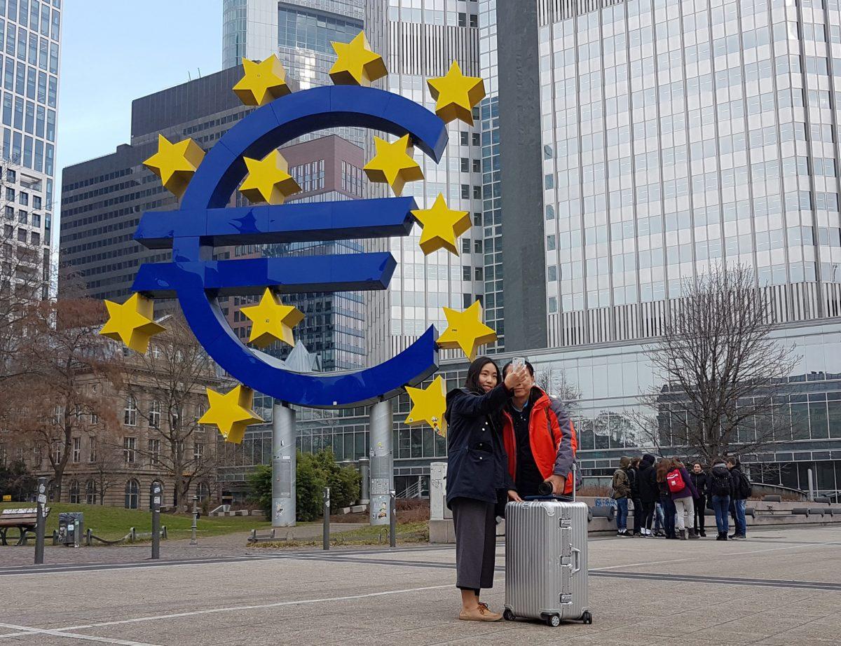 EU zet zwaar geschut in om euro te redden - Elsevier Weekblad