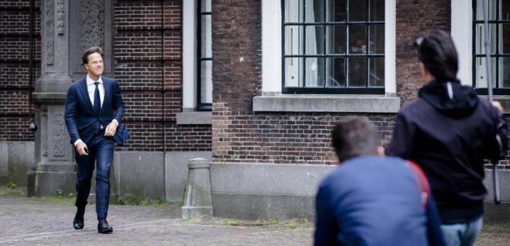 2017-06-06 15:29:31 DEN HAAG - Premier Mark Rutte bij aankomst op het Binnenhof voor een gesprek met informateur Herman Tjeenk Willink. ANP BART MAAT