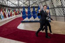 Nederland zit klem nu EU-integratieturbo aanstaat