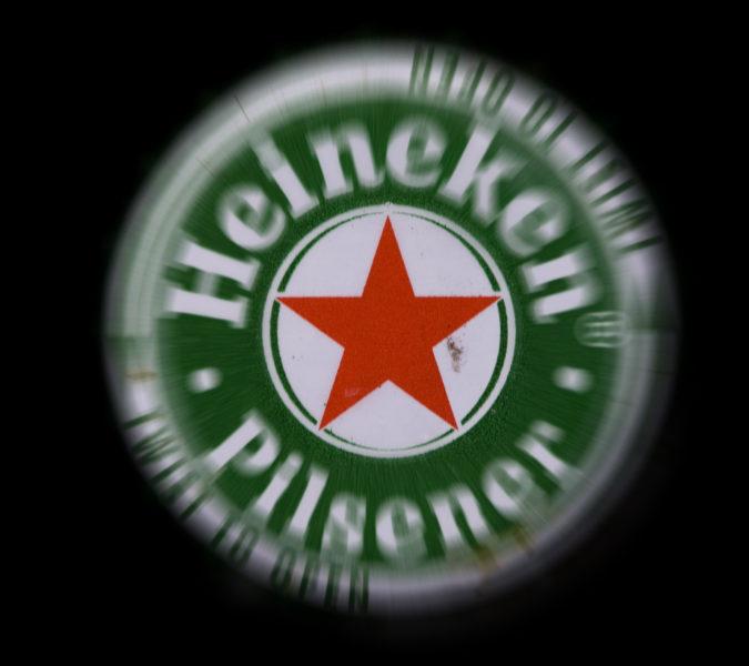 2008-01-08 00:00:00 HAARLEM - Bierdop van Heineken. ANP PHOTO XTRA KOEN SUYK