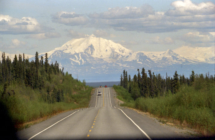 glenn_highway_and_mount_drum
