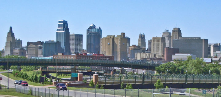 kansas_city_mo_skyline_14july2008v