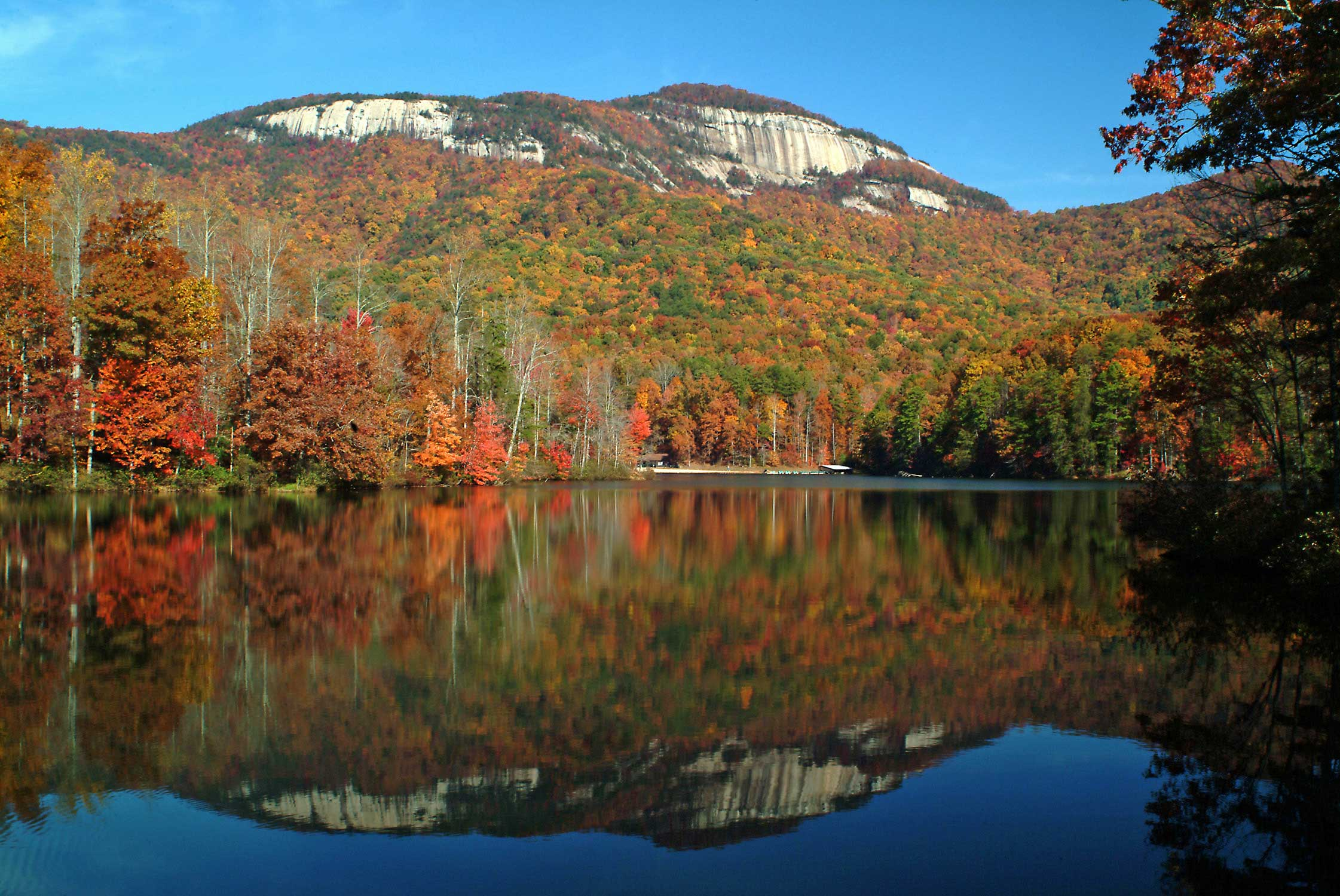 table-rock-fall-lake-low-res