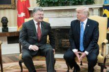 Porosjenko haalt opgelucht adem na gesprek met Trump