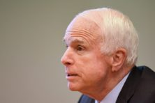 Geschiedenis van vader en zoon McCain: voorbeeldige patriotten