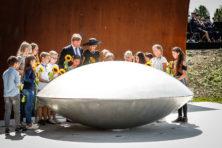 In beeld: 'Indrukwekkende' ceremonie in Vijfhuizen