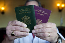 Dubbele nationaliteit is naïef en oneerlijk