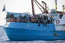 Ngo's stoppen met redden migranten na dreiging Libië