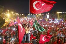Erdogans knokploegen in Nederland: wie zijn zij?