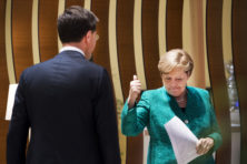 Laat Angela Merkel voor ons investeren