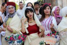 Klein lichtje hoop flikkert in duistere Arabische wereld