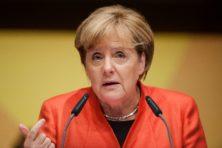 Merkel breekt wet en legt gevolgen aan anderen op