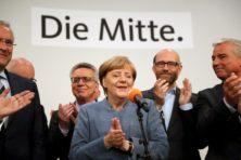 Merkel blijft grootste, AfD boekt verpletterende zege
