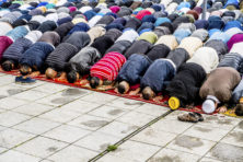 Onderzoek discriminatie moslims voedt vooral schuldgevoel