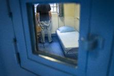 Honderden criminele vreemdelingen na helft celstraf vrij