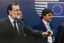 Rajoy slaat hard terug met ontslag Catalaanse leiders