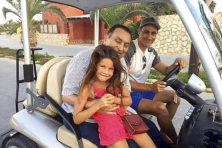 Mubarak brengt oude dag onbezorgd door in luxeresort