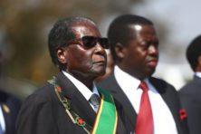 Mugabe weigert af te treden