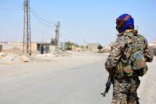 SDF: 'IS-terroristen mogen zich overgeven of sterven'