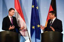Merkel moet formatie maar redden, vindt Zijlstra