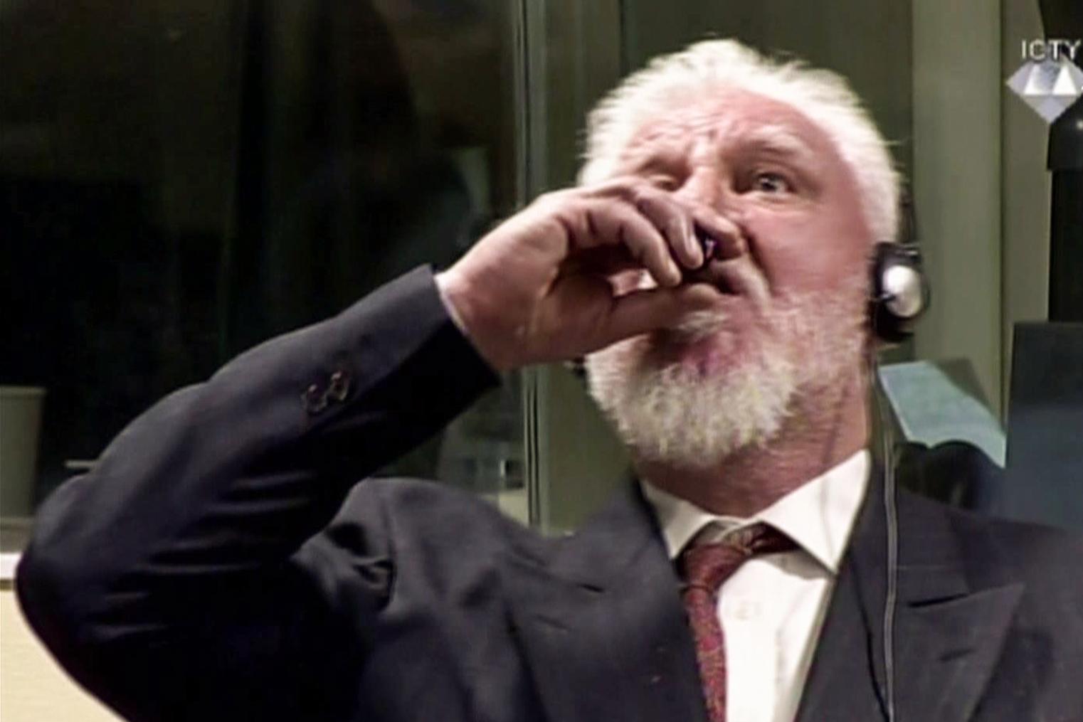 Slobodan Praljak Den Haag >> Kroaat Praljak dood na drinken van gif (video) - Elsevierweekblad.nl