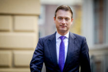 Zijlstra: 'Geen enkel EU-land verplaatst ambassade'