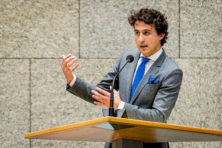 GL-leider Klaver wil wet tegen loon ING-topman