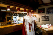 Overheid moet stoppen met voor Sinterklaas spelen