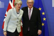 Juncker en May doorbreken impasse in blessuretijd