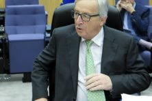 Juncker houdt vast aan superminister voor eurozone