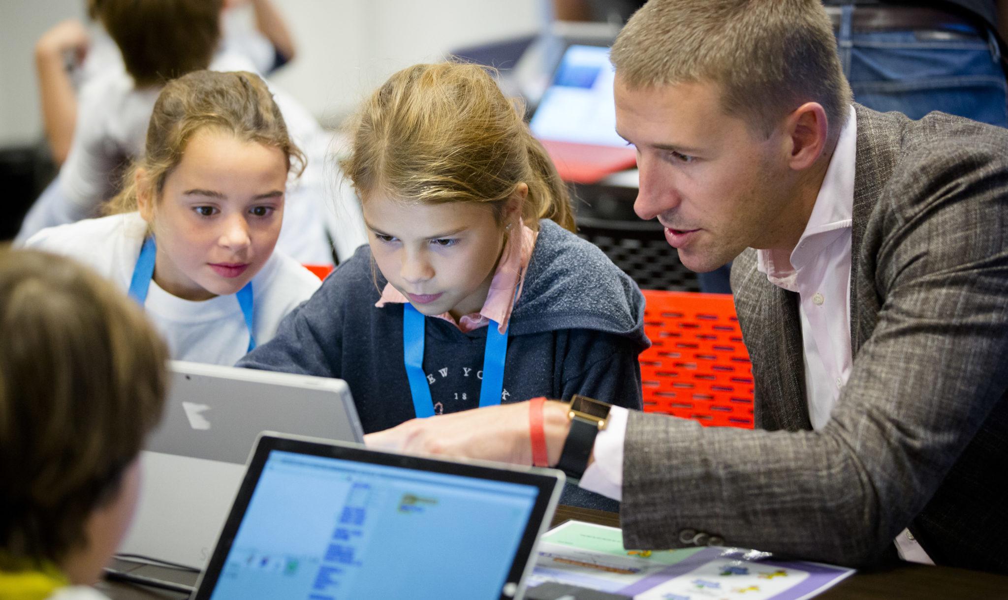 Waarom Techbedrijven Kinderen Leren Programmeren Elsevier Weekblad