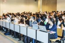 Hoeveel kosten al die buitenlandse studenten?