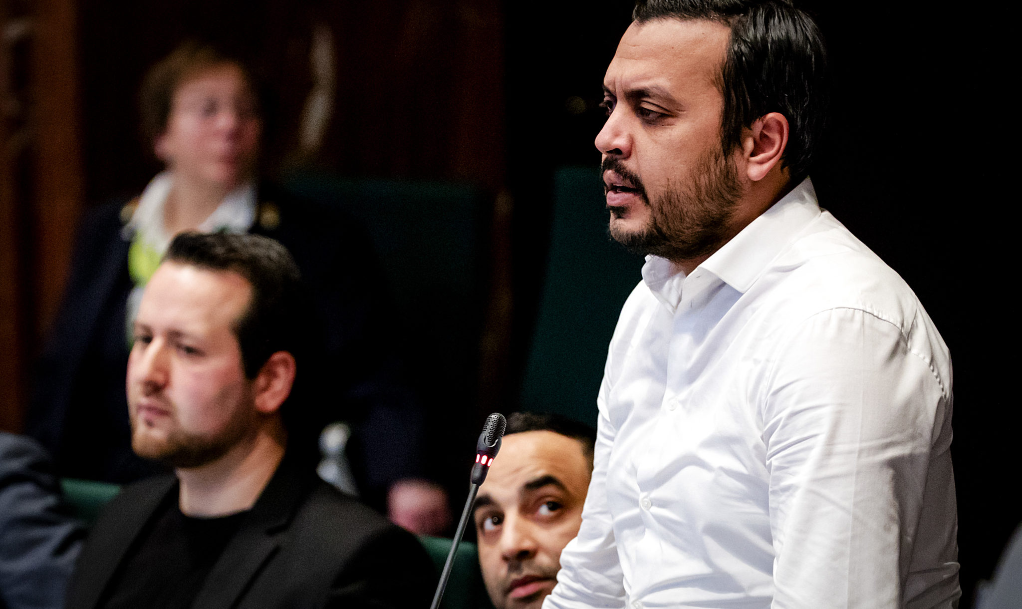 Groenlinks debat in de digitale hofstad nida onder vuur dit zijn de mensen achter de moslimpartij fandeluxe Image collections