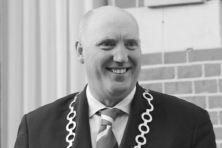 Pieter Smit (1963-2018): Burgervader met blauw profiel