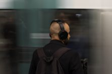 De opmars van de geluiddempende koptelefoon