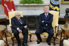 Donald Trump scoort op het wereldtoneel